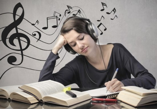 classical-music-benefit-students-in-tests-exams