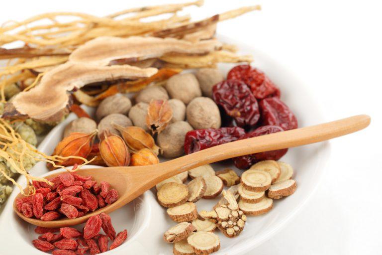 chinese-herbs-768x512